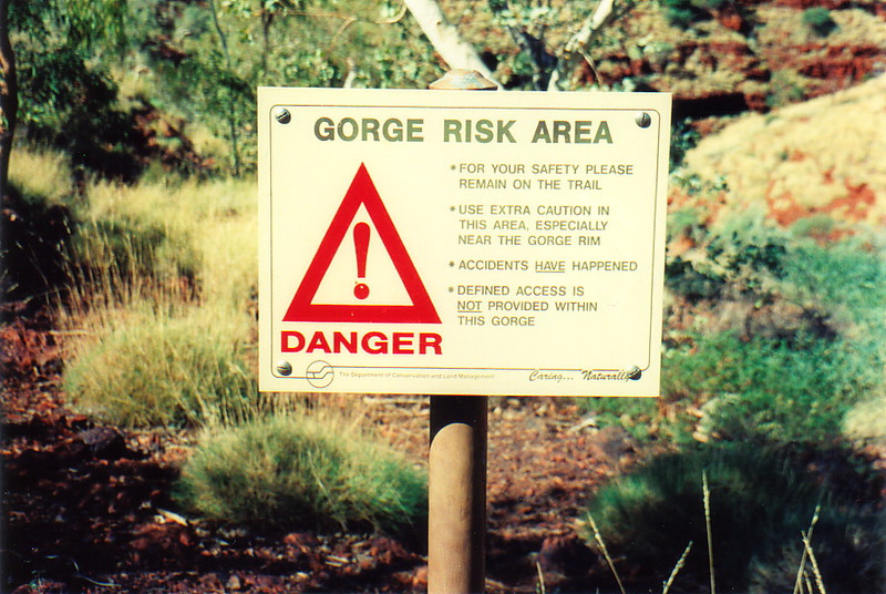 A warning sign in a gorge in Karijini