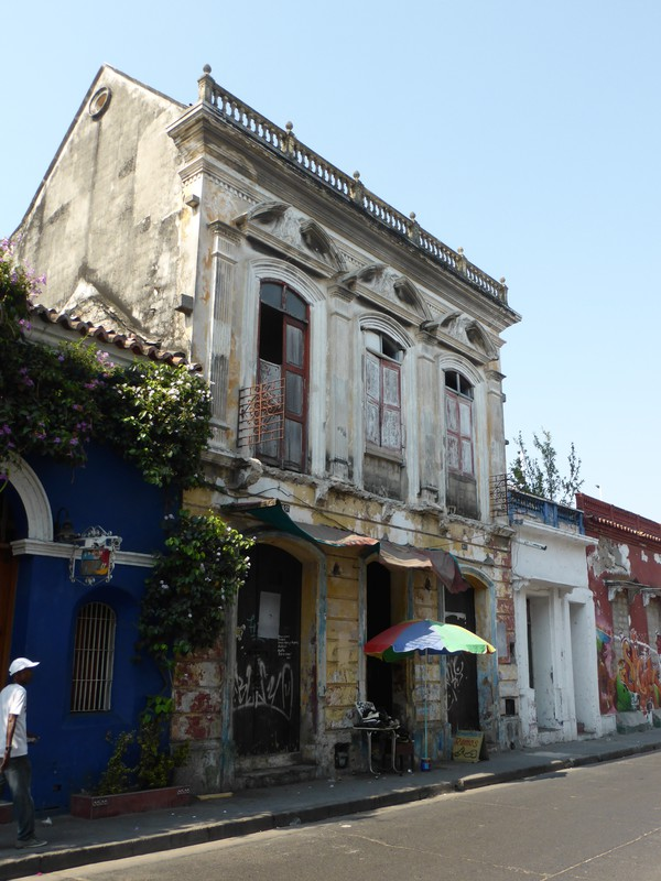 The architecture is slightly more worn in Getsemaní