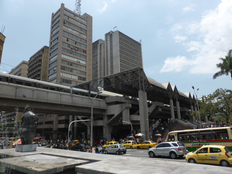 The Metro dominates the western side of Parque Berrío