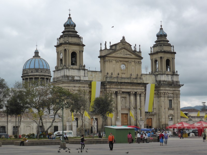 The municipal cathedral to the east of Parque Central