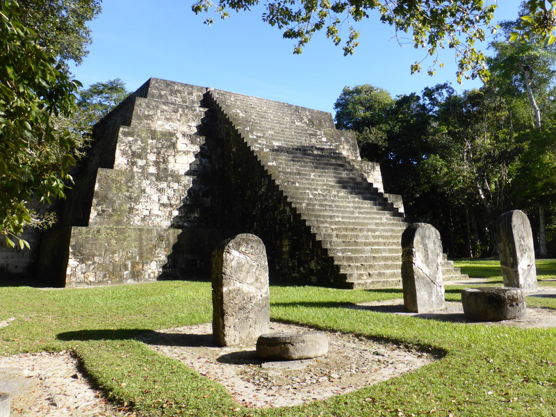 One of the twin pyramids of Complejo Q