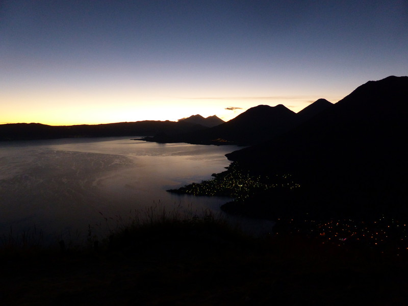 Lago de Atitlán in the early light of dawn
