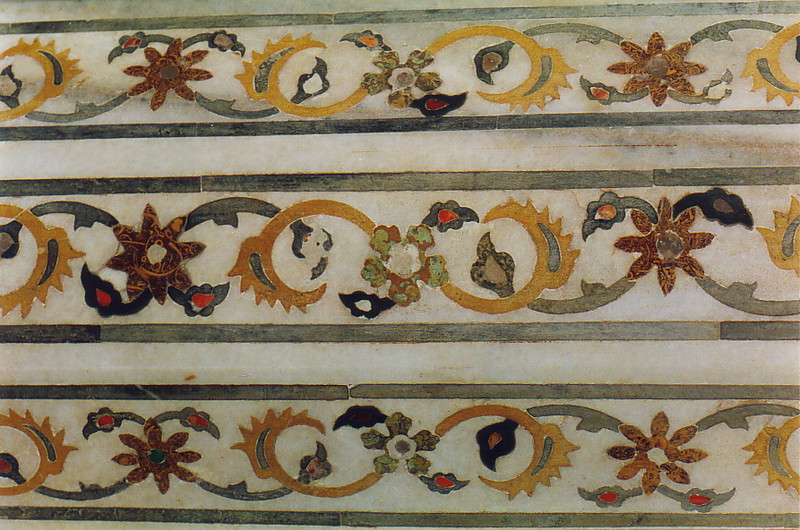 An inlaid decoration at Agra Fort