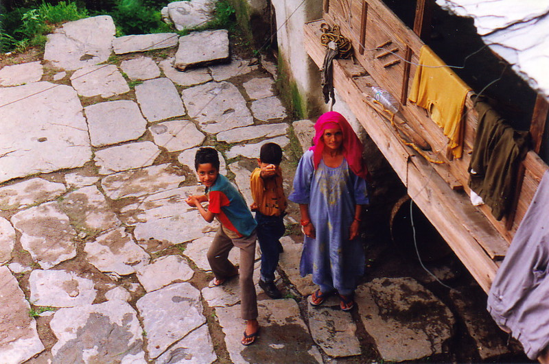 A mother and two children in Bhagsu