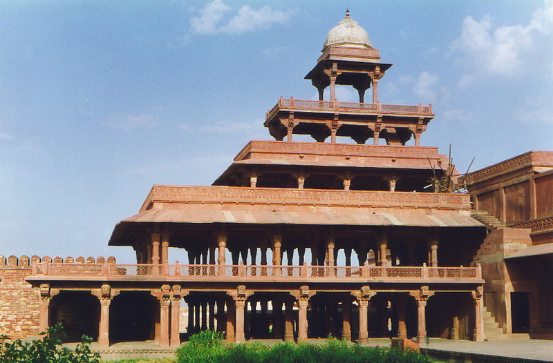 A perfect pavilion in the tranquil sandstone of Fatehpur Sikri