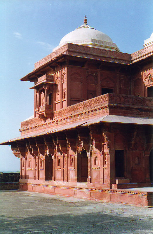 A red building in old Fatehpur Sikri