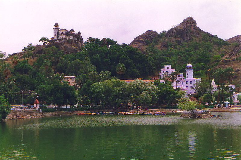 The main waterfront, Mt Abu