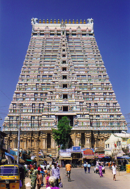 A magnificent gopuram in Sri Ranganathaswamy Temple