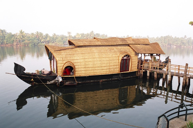 The houseboat Thamanna moored in the village of Alumkadavu