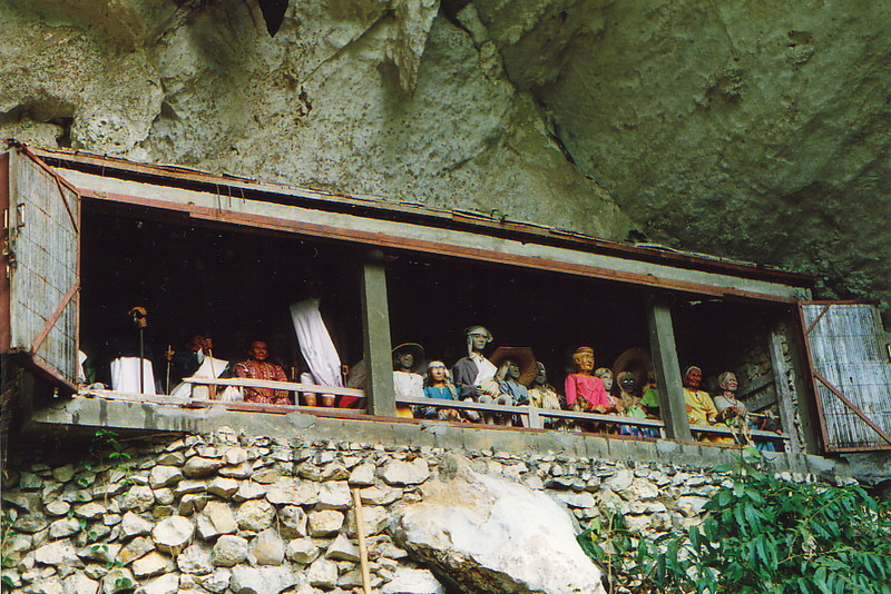 The tau-tau outside the cave graves of Londa