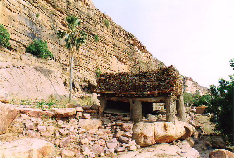A togu-na by the Dogon escarpment