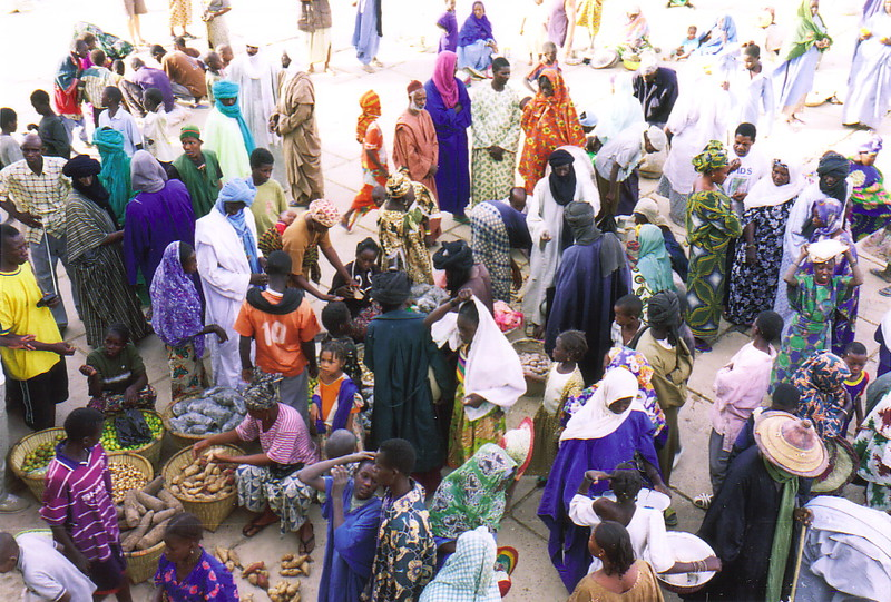 A busy market by the banks of the River Niger
