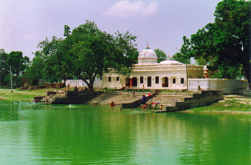 The ghats of Ratan Saga Kunda