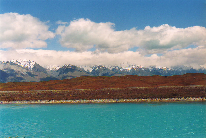The turquoise lakes on the approach to the Southern Alps