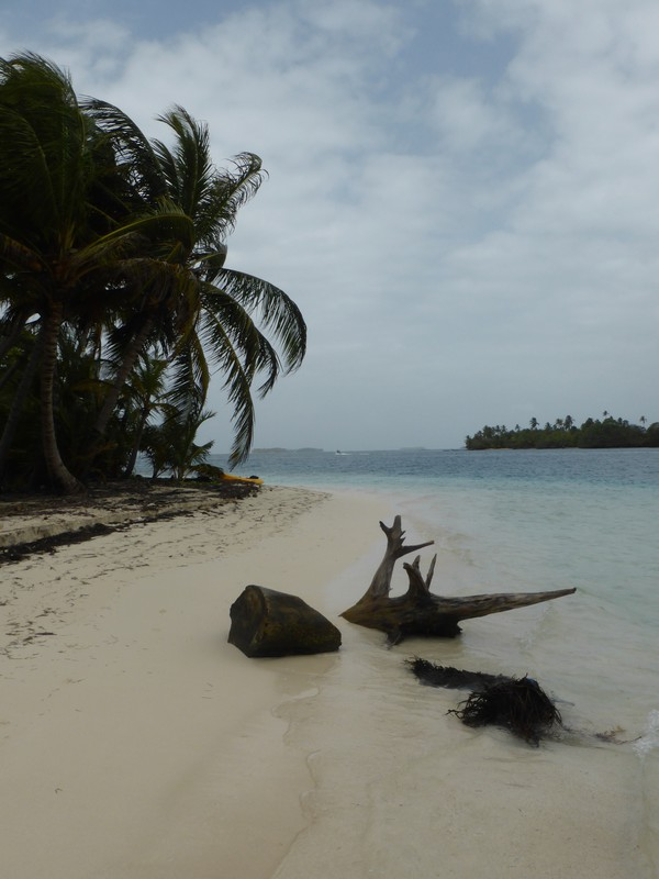 Another pretty beach in the Cayos Holandeses