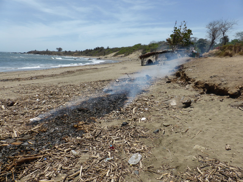When we visited Playa El Toro, we were greeted with a smouldering fire on the beach, in true Central American style