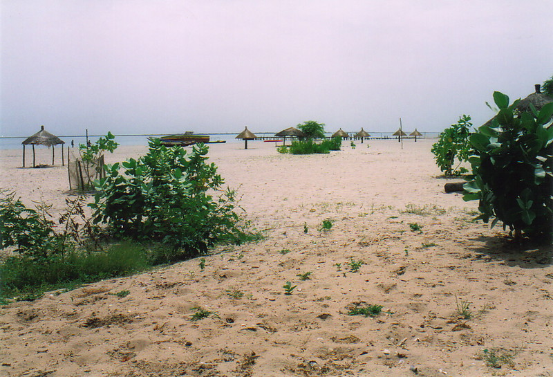 The beach in Djiffer